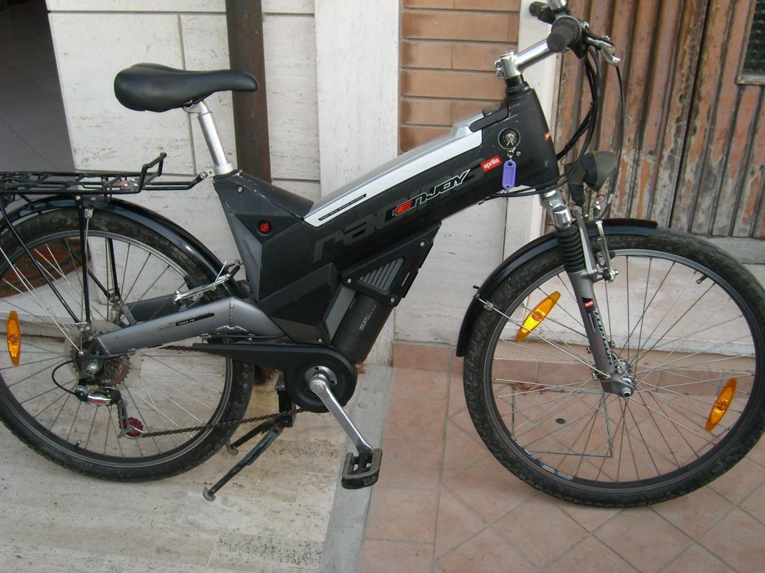 Aep bici bicicletta elettrica aprilia enjoy racing for Bici elettrica assistita